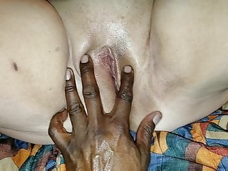 SINGLE MATEUR MILF MOM CUM TO US FOR AMATEUR BBC GANGBANG