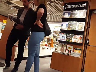 Tight jeans in bookstore