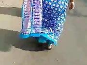 Mast chikni indian aunty hot blouse back